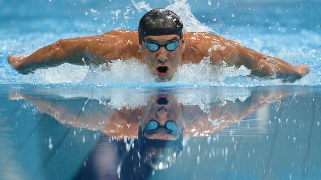 Mantener los nadadores en la piscina, fuera del Gimnasio y la consulta médica