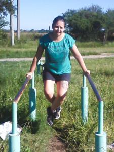 Mariana Hattemer, habiendo dejado las muletas, ya puede caminar y moverse con normalidad.