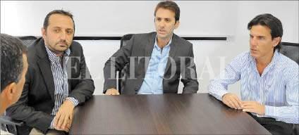 Los doctores Santiago Calvo, Ignacio Dallo y Eduardo Wagner brindan detalles del importante curso que tendrá lugar en abril. Foto: Luis Cetraro