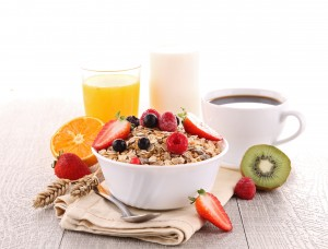 Para una correcta nutrición en el rugby es importante hacer foco en la cantidad, tipo y distribución de hidratos de carbono (a partir de frutas, cereales integrales, granos, entre otros).